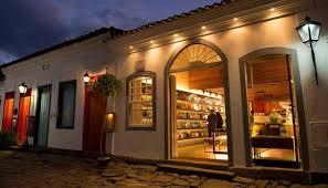 Resultado de imagem para As 10 livrarias mais bonitas do Brasil
